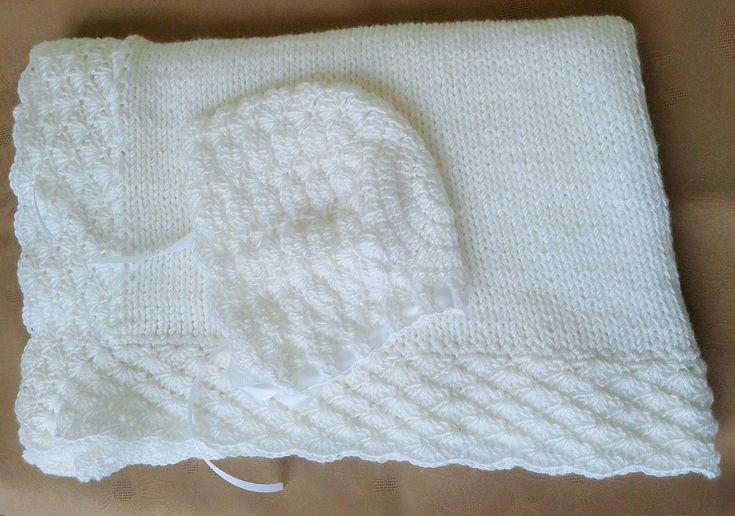biały  komplet  do chrztu kocyk i czapeczka