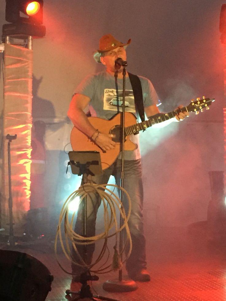 And Badplaas comes alive as Steve Hofmeyr takes the stage!!!