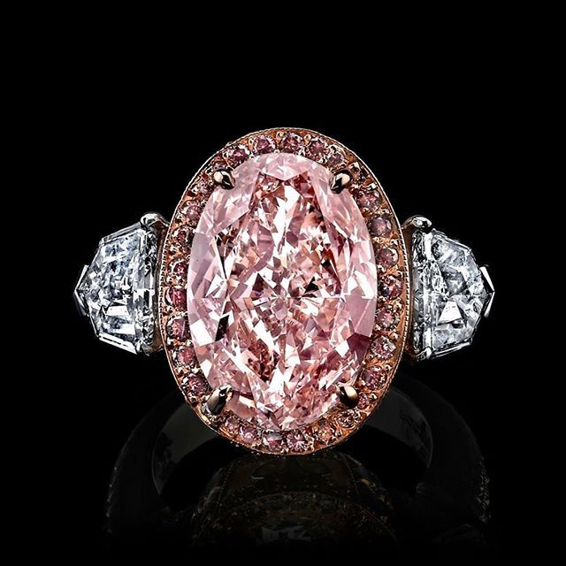 Over 3ct Natural PINK DIAMOND ring! Surrounded by a halo of Pink Natural diamonds set in Rose Gold. WE LOVE PINK DIAMONDS! How about you?@raimanrocks #celebrity #luxury #style #diamondring #rings #raimanrocks #love #anniversary #ring #diamondring #pinkdiamond #engagementring #gift #wow #jewelry #losangeles #dallas #florida
