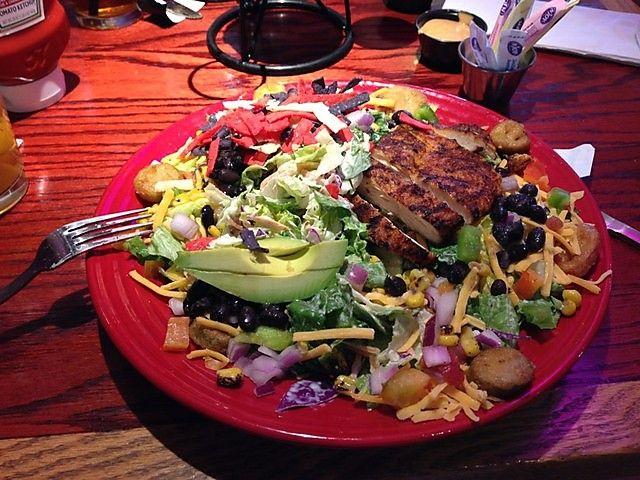 Red Robin Restaurant Copycat Recipes: Southwest Chicken Salad