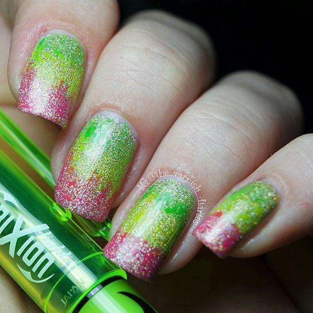 Virago Varnish ~ Abstain from Champagne mit Textmarker  Ich habe mir neue Textmarker gekauft, Pilot frixion. Sie eignen sich super um auf den Nägeln zu malen. Leider habe ich nur drei Farben gefunden.  Gleich kommt der esc, wer guckt noch?  #viragovarnish #abstainfromchampagne #viragovarnishabstainfromchampagne #tvdviragovarnish #notd #nails #nailpolish #nailstagram #nailswag #nail #instagood #beauty #pilotfrixion #pilotlightfrixion