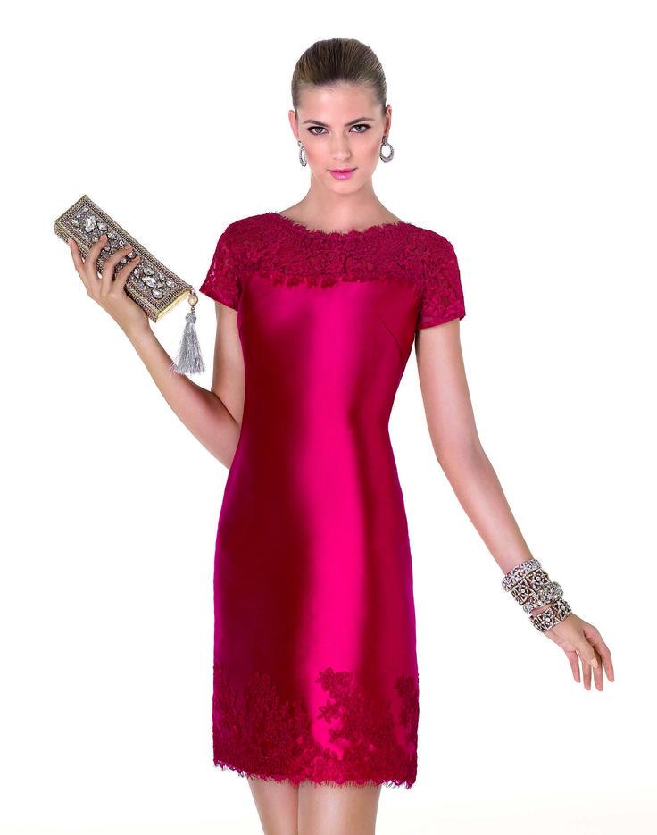 A La Mariée Budapest esküvői ruhaszalon exkluzív és óriási menyasszonyi ruha kínálata egyedülálló Magyarországon. Itt minden menyasszony megtalálja álmai esküvői ruháját a hatalmas világmárka választékukban, melyből kedvezményes áron kölcsönözhet vagy vásásrolhat. Látogasson el Magyarország legnagyobb világmárka premium dealer esküvői ruhaszalonjába!