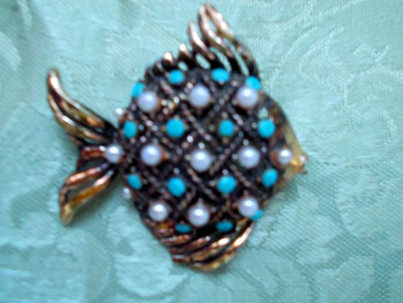 Vintage 1950s Intricate 'Fish' Brooch, Costume Jewllery, Oversized, Retro, Antique, Pin Up Girl, City-Chic, Keepsake, Collectablex