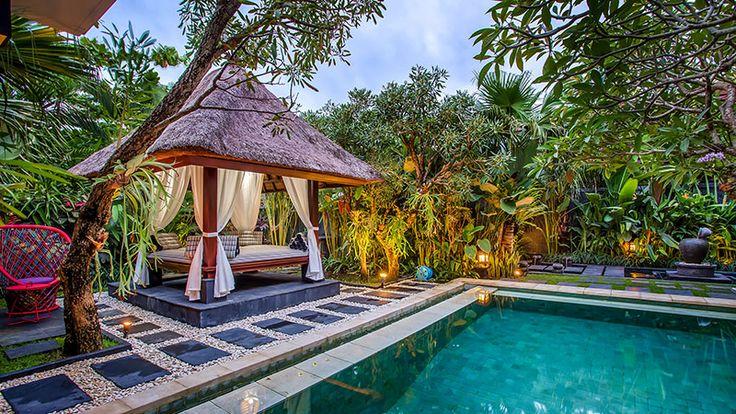 Tiga Samudra Villas is a well designed villas for both leisure and retreat travelers, situated in Kerobokan area of Umalas which blessed with the generous landscape amidst the fertile rice terraces. #balivillas #umalasvillas #villasinbali #tigasamudravillas