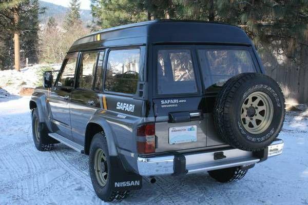 """1988 Nissan Safari """"Granroad"""" (Y60) w/ TD42 4.2L inline 6-cylinder diesel engine"""