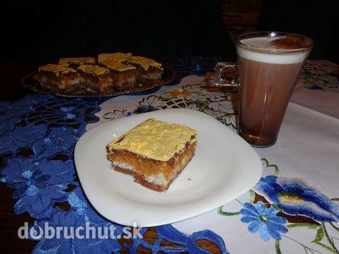 Jablkovo-kokosový koláč
