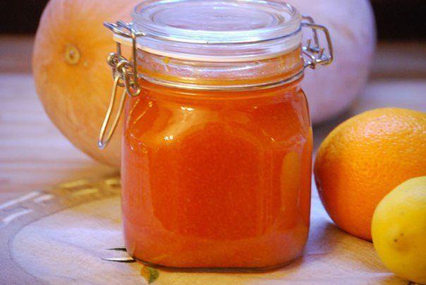 . Рецепт варенья из тыквы для похудения Для приготовления этого варенья вам потребуются три килограмма мякоти тыквы, один лимон, мелко нарезанный вместе с кожурой, 2 апельсина и 2/3 стакана фруктозы или стакан сахара. Все ингредиенты измельчаем, заливаем водой в глубокой неэмалированной кастрюле и тушим, пока тыква не упарится. Затем вы можете пропустить готовое остывшее варенье через блендер или измельчить его вилкой. Закатывать такое варенье в банки не стоит – разложите по банкам…