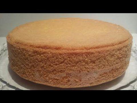 Recette de la foret Noire sous sa forme inratable. Inclus la recette vidéo de la génoise, crème pâtissière et chantilly. En suivant la recette pas à pas, vou...