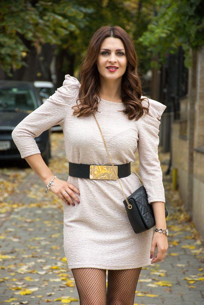 Cum purtam rochia cu umeri supradimensionati | http://www.emasworld.ro/cum-purtam-rochia-cu-umeri-supradimensionati/