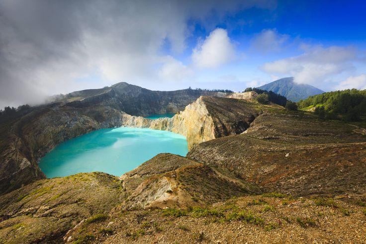 """""""Es gibt keine richtige Art, die Natur zu sehen. Es gibt hundert"""", schrieb einmal der Schriftsteller Kurt Tucholsky. Und mit jedem Wasserfall, Canyon oder Berg, jeder Höhle oder Insel beweist uns die Natur überall auf der Welt, wie vielseitig und einzigartig sie ist. TRAVELBOOK zeigt 18 besonders faszinierende Orte."""