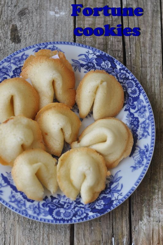 Fortune cookies или печенье судьбы - something sweet to a cup of coffee