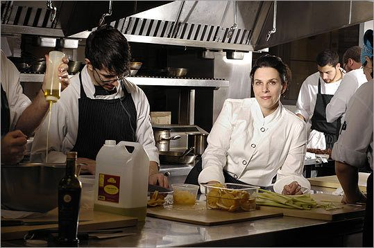 A cut above– Lynch possesses an ability to attract talent to her kitchens, in part because she offers opportunities for advancement. (ShannonReed.com)