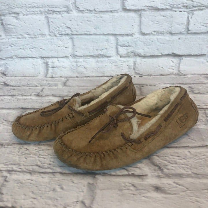 UGG Dakota Women's Size 9 Tan Moccasin