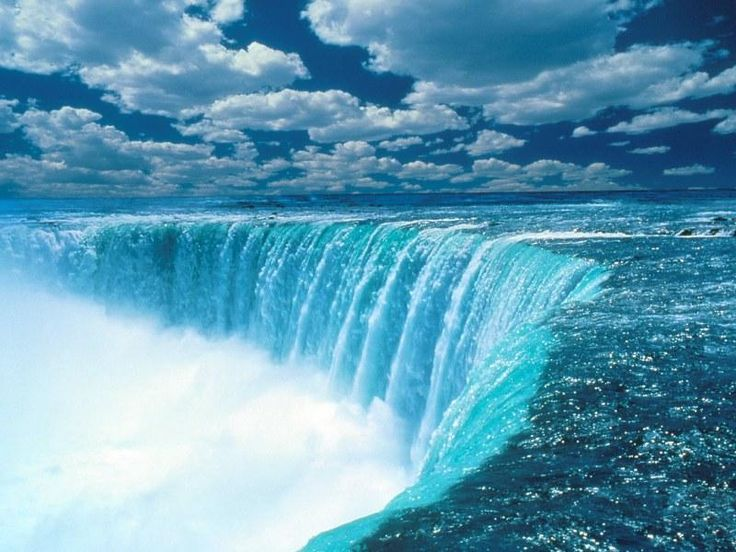 Niagara Falls located in Canada and USA