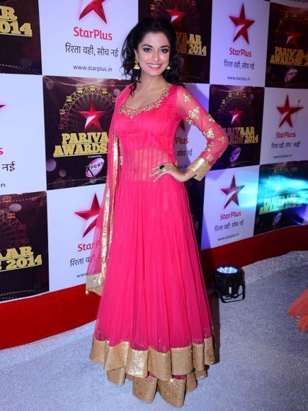 Mahabharat Fame Pooja Sharma in Navel Show Pink Hot Anarkali Suit