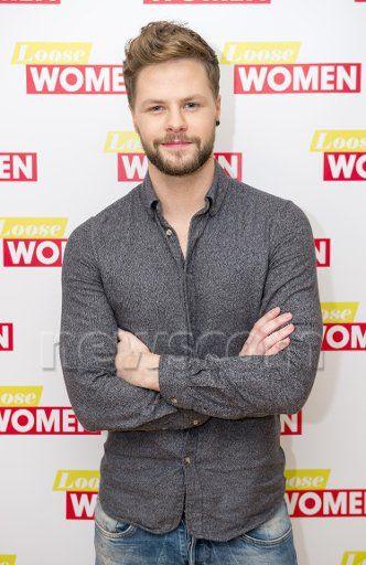 Jay no Loose Women da ITV. (18 jan.)