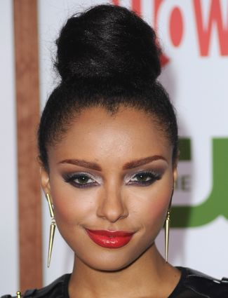 You can never go wrong with a top knot à la Kat Graham.: Kat Graham, 10 Hairstyles, Offices Hairstyles, Hairstyles 2013, Perfect Tops, Clothing Summer, Top Knot, High Buns Hairstyles, Tops Knot