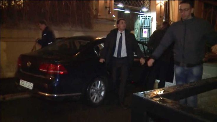 Bodyguards believed to be protecting George Pell appear to have manhandled an Australian news crew as the cardinal arrived at the Italian hotel where he will testify before a Royal Commission later today.