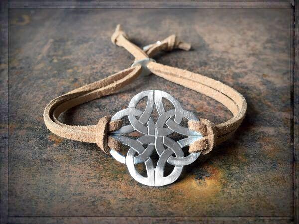 A WAY TO HAPPINESS ≫≫≫ #ONLINESHOP • www.schmuck-reichenberger.de  ❤️ ≫≫≫ #schmuck #endlessjewelry #endlessknot #leatherjewelry #leatherbeads #leatherbracelet #icon #jewelrymakesyouhappy #luckycharms #lederarmband #trendarmband #armbänder #armbandliebe #stackingbeads #armcandy #armparty #coachellastyle #ethnoschmuck #handmadewithlove #bohogypsy #bohojewelry #freespirit #gypsyjewelry #ibizajewelry #trendschmuck #schmucktrends #ibizastyle #jewelrystyles #schmuckliebe #schmuckshop