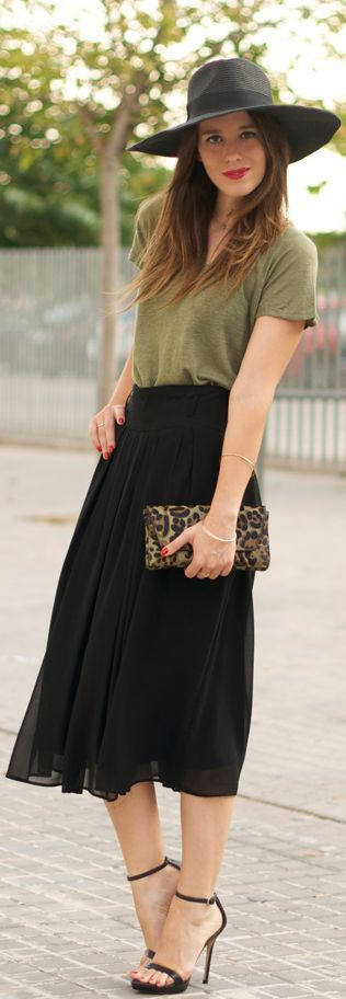 Midi Skirt & Leopard Clutch - another Myaann style...a little boho still, but maybe we can dress it up with a belt, jewelry...maybe cut off gloves?!