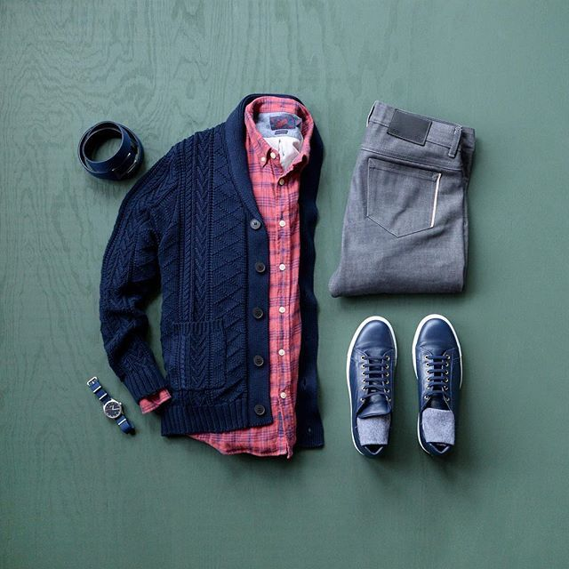 """A comfy outfit for the work day helps keep the creativity flowing.  #mycreativelook ––––––––––––––––––––––– Shirt: @grayers from @trademenswares Cardigan: @standardissuenyc – Navy Shawl Cardigan Denim: @fnldenim – 13.5oz Denim Sneakers: @plrbofficial – """"Lorenzo"""" Leather in Midnight Blue Socks: @deadsoxy – The Boardroom Watch: @vaeradventure – Classic Dark Belt: @ansonbelt ––––––––––––––––––––––– #PLRBclothing #standardissuenyc #deadsoxy #sockgame #staysoxy #vaeradventure #vaerwatch #an..."""