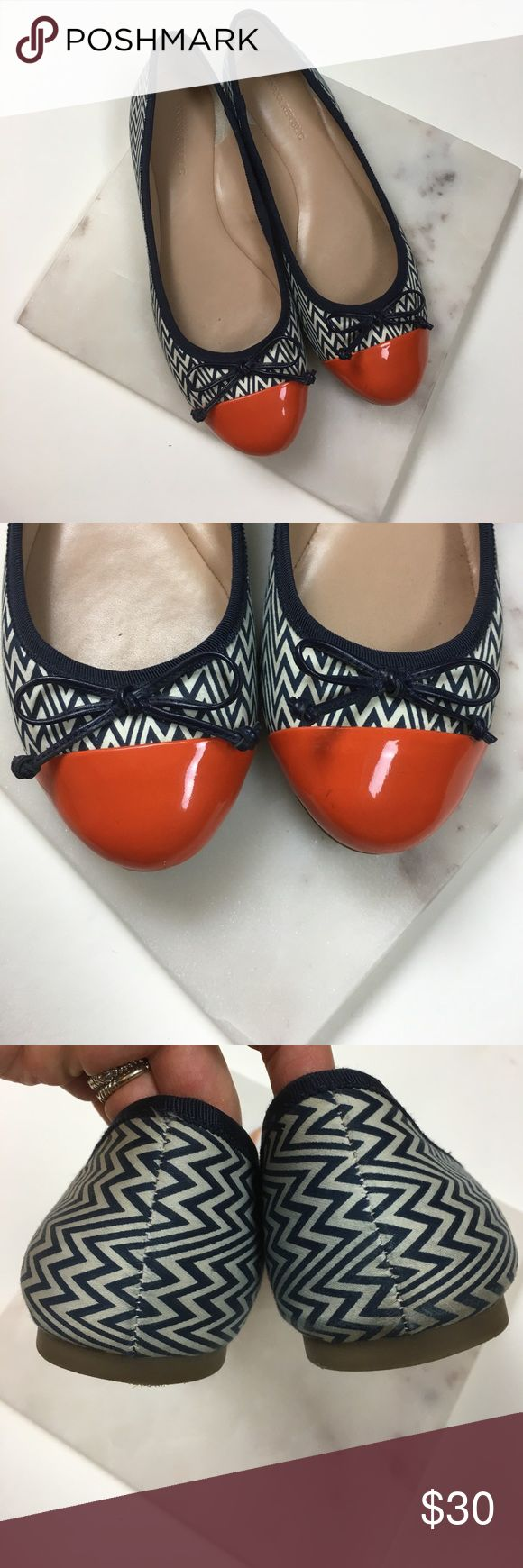 Banana Republic Chevron Striped Ballet Flats - 8M So cute and perfect for any occasion! Banana Republic brand, size 8 M. Gently used with a few scuffs and light wear as pictured. There is a slight sharpie mark on each sole as well. 6feb17bcko Banana Republic Shoes Flats & Loafers