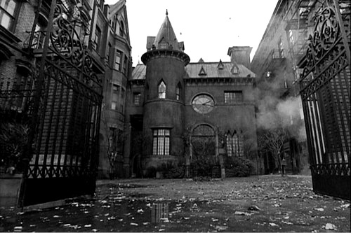 House Wouldn T Want To Get Lost In There Abandoned Spooky House See