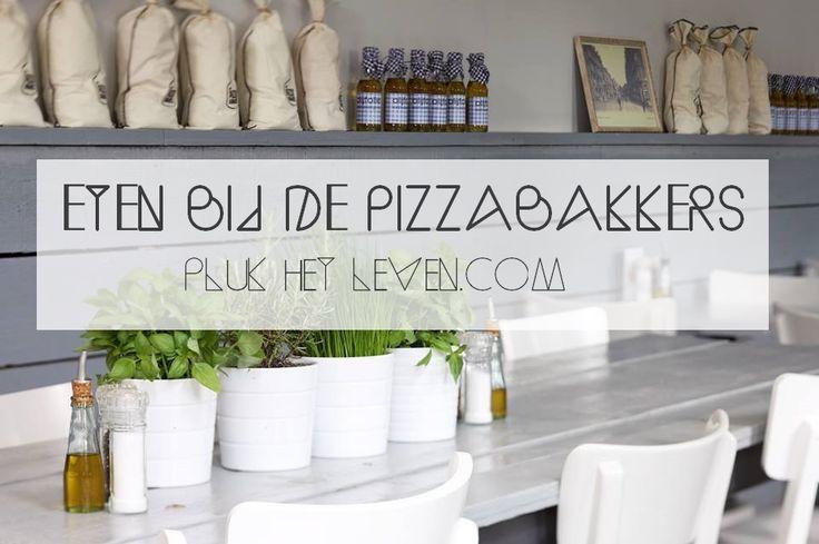 De lekkerste pizza van 2014 at ik bij De Pizzabakkers in Nijmegen - http://plukhetleven.next-chapter.nl/de-pizzabakkers-pizza-prosecco/