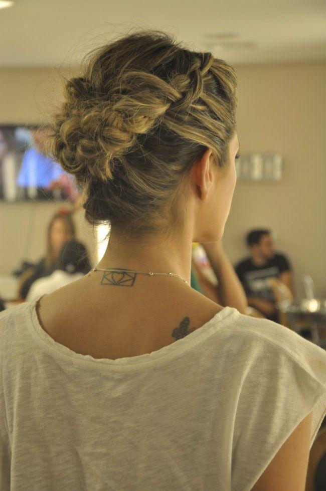 Coque com trança - penteado charmoso, texturizado e ótimo para várias ocasiões.
