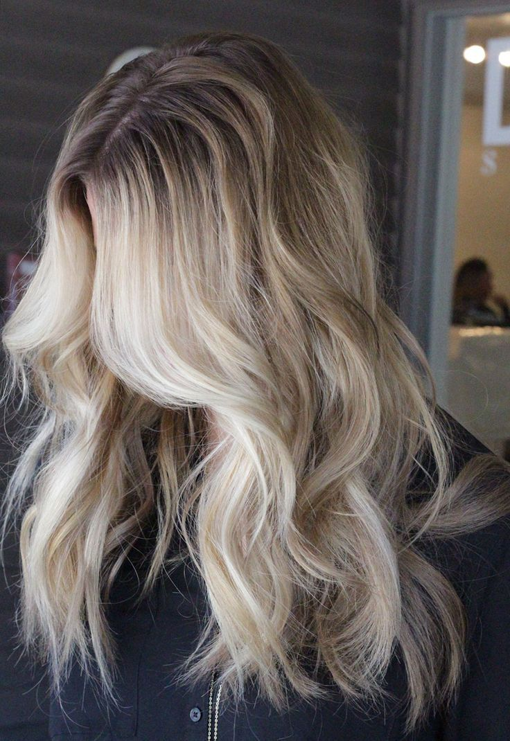 People Blonde with roots