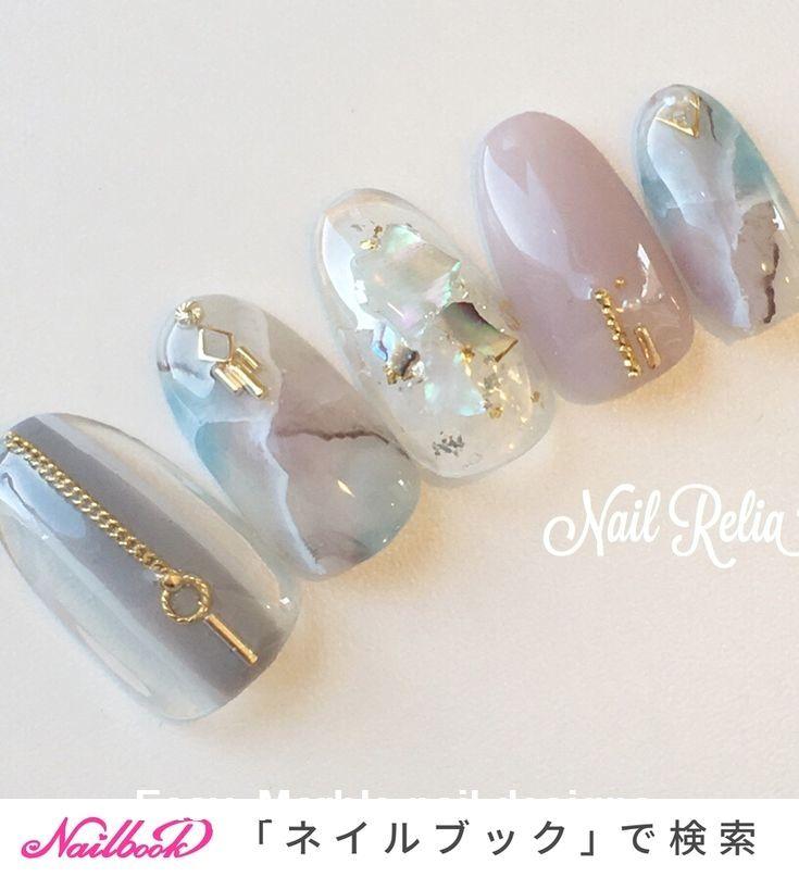 25 ongles en marbre avec eau et vernis à ongles 2   – Nails