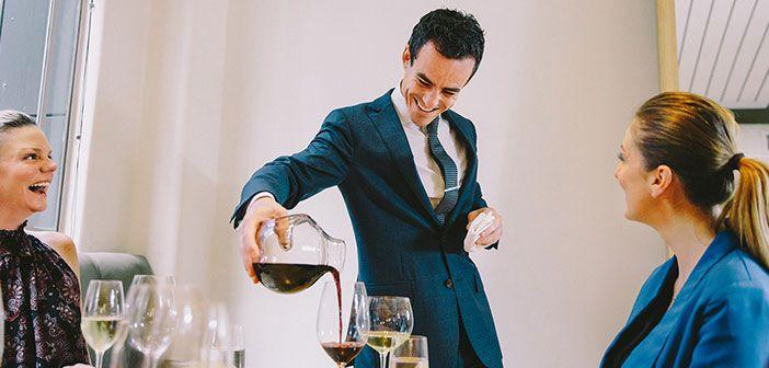 Un restaurante con una buena carta de vinos es concebido de inmediato por el cliente como un restaurante de calidad http://blgs.co/3b86Ae