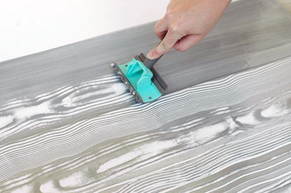 Tutorial for how to create a faux bois paint treatment using glaze/paint and a cool faux bois tool.  This is amazing! From Jenny at Little Green Notebook.