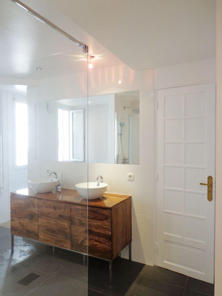 Les 25 meilleures id es de la cat gorie grands miroirs de salle de bains sur pinterest miroirs for Photo dans un bain