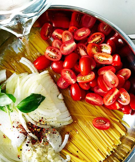 Food 52 - Martha Stewart's One-Pan Pasta