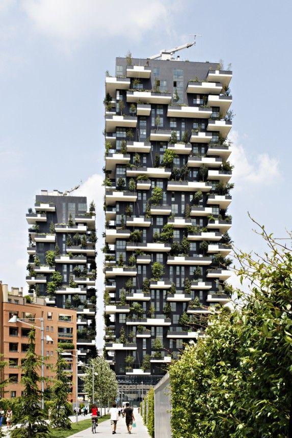 """Wohntürme """"Bosco Verticale"""" von Stefano Boeri in Mailand."""