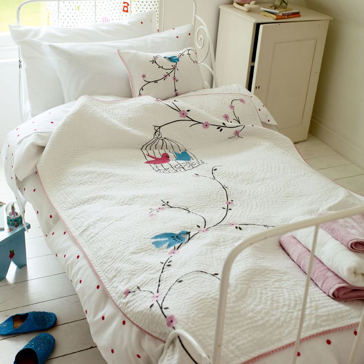 birds and birdcage quilt