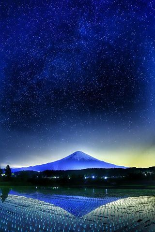 Skyful of stars and Mount Fuji - Japan