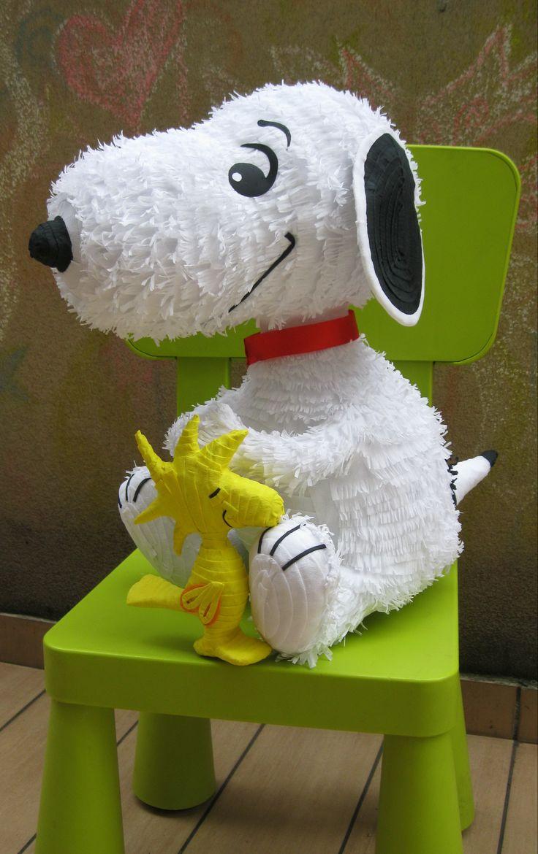 Snoopy Pinata                                                                                                                                                      Más