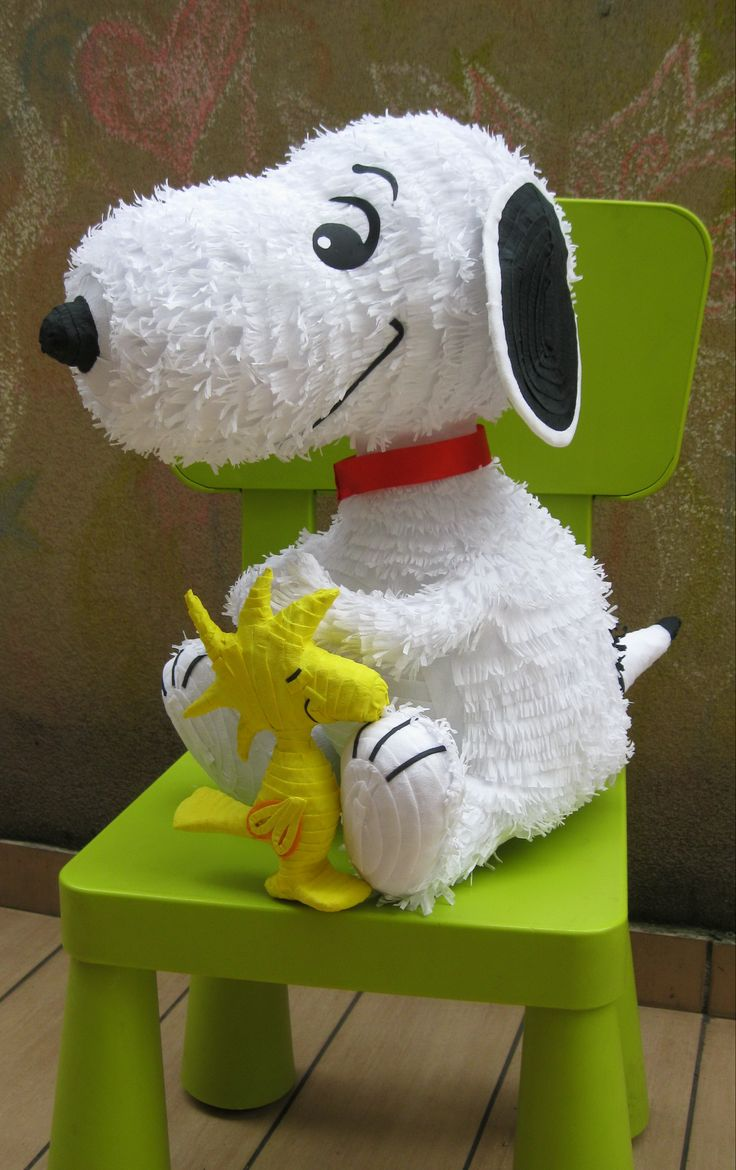 Snoopy Pinata It S A Party Charlie Brown Pinterest