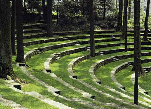 Grass and Stone Amphitheater Seating. Inspiration for Philip Nixon Design.
