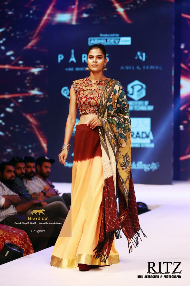 Brʌɪd de' at The Kerala Fashion League Season 4 - Abhil Dev Designers : Saraswathy Gopalakrishnan * Paarvati Kiriyath Bharath  Choreographer : Jude Felix  Photography : Ritz Magazine - Binu Avarachan https://www.facebook.com/RITZMagazine/?fref=ts  http://www.ritzmagazine.in/ Model Management :Niyas Mohammed F360 Fashion 360 model management Model : Gopika Gopakumar Nair Details : Blouse - Pen Kalamkari on Net  Skirt - Double Dyed Denim Bordered with Kerala Gold Zari  ODHANI - A combina