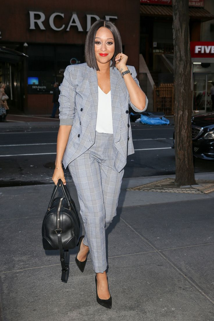 celebritiesofcolor:  Tia Mowry out in New York City
