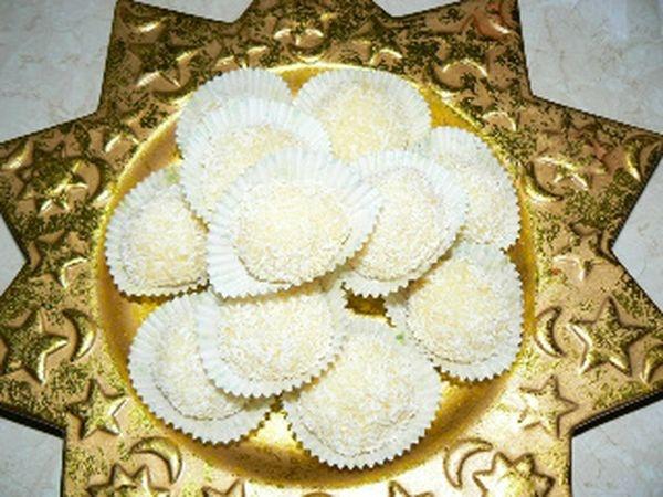 Λευκές τρούφες με καρύδα