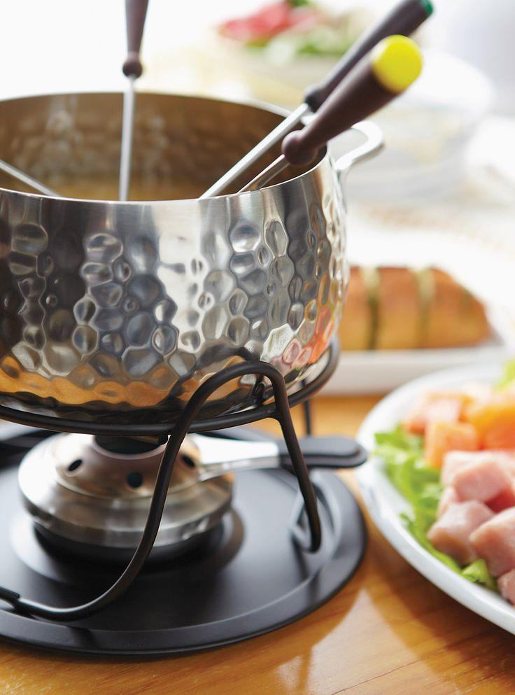 Recette de Ricardo: Bouillon au lait de coco (pour fondue de poisson et de fruits de mer)