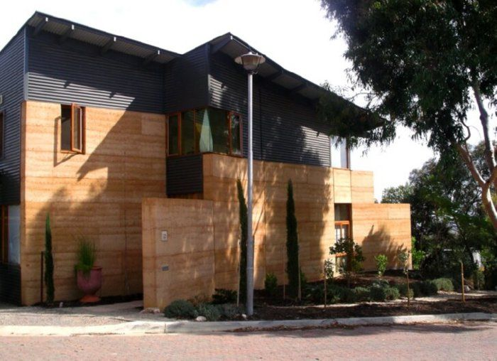Rammed Earth Home by David Oliver, the most renowned rammed earth archtect and builder. david oliver Greenway Architects, Mooloolaba, Australia. arquitecturasdeterra.blogspot.com