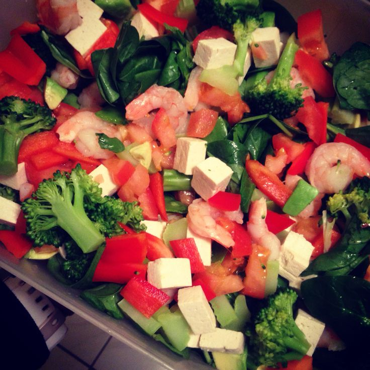 Shrimp salad with Toffu and a mix vegetables no sauce but a balsamic vinegar (Make your own mix)
