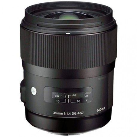 El objetivo fotográfico Sigma 35mm f/1.4 DG ART, es una lente angular especialmente diseñada para cámaras digitales Full frame, destaca su rapidez al enfocar y su solida construcción así como la calidad en sus acabados