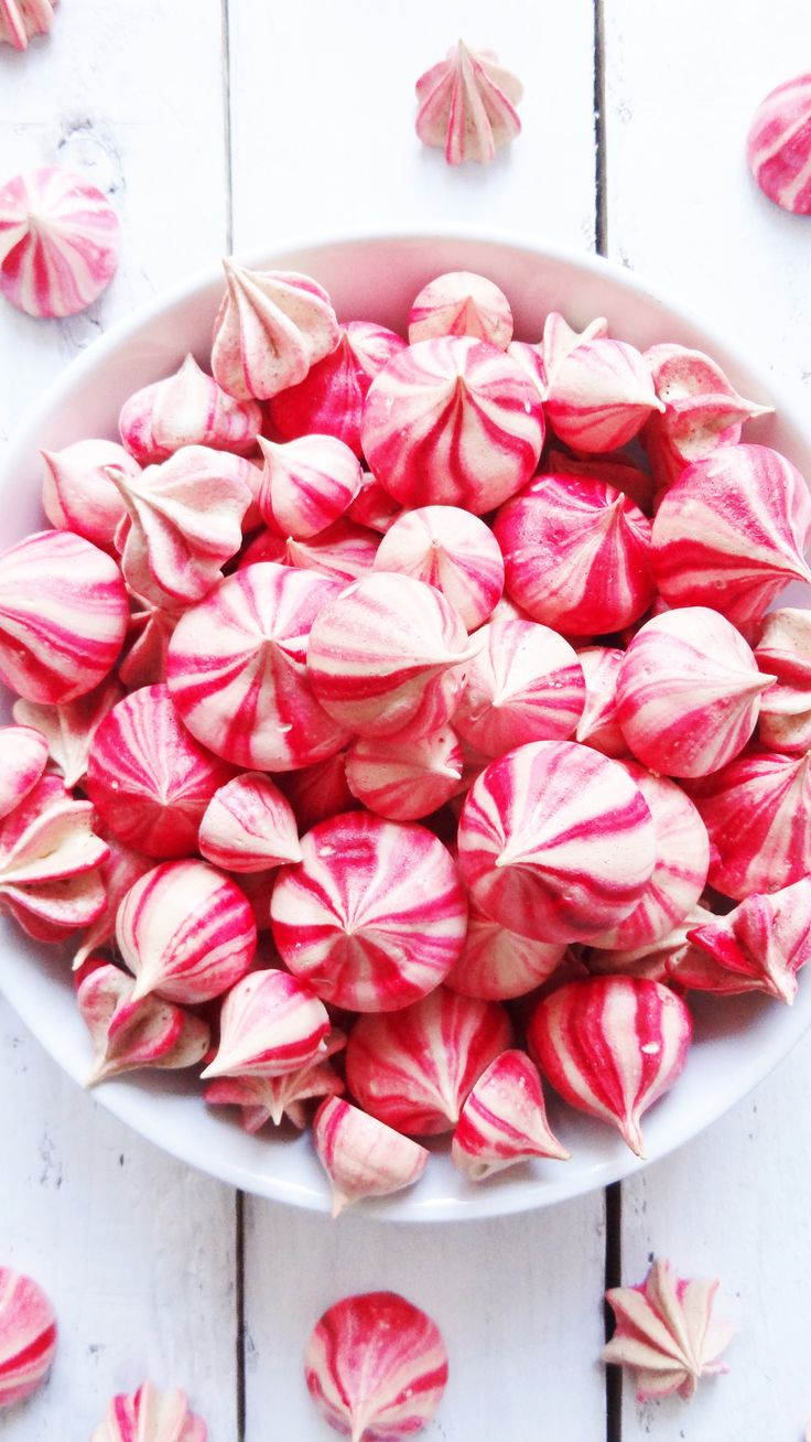 striped raspberry meringues