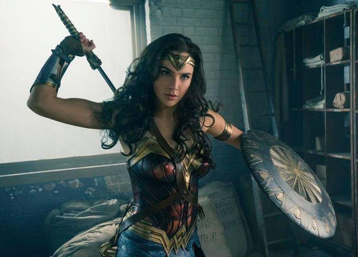 Gal Gadot Wonder Womanina uudessa elokuvassa, joka saa ensi-iltansa kesällä 2017.